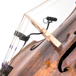 Micro avec fixation sur instrument